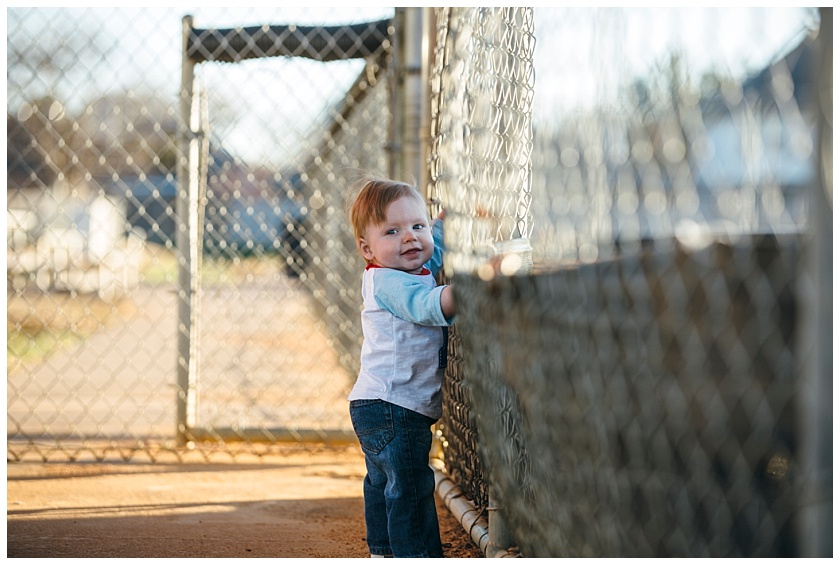 Eastons-first-birthday-session-watauga-baseball (3).jpg