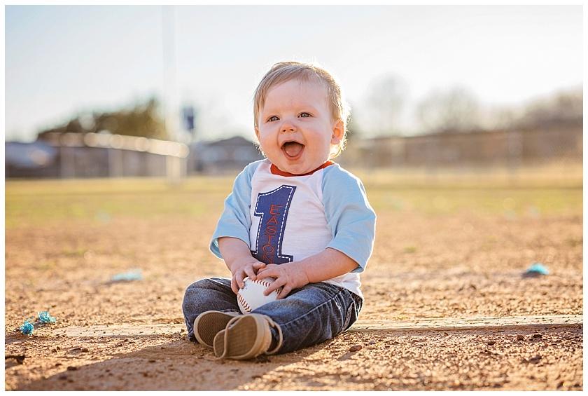 Eastons-first-birthday-session-watauga-baseball (10).jpg