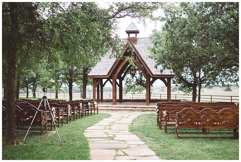 classic_oaks_ranch_wedding (45).jpg
