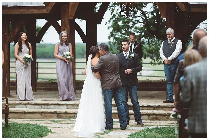 classic_oaks_ranch_wedding (92).jpg