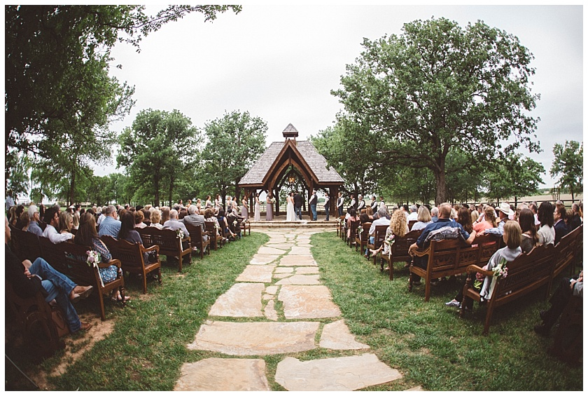 classic_oaks_ranch_wedding (116).jpg