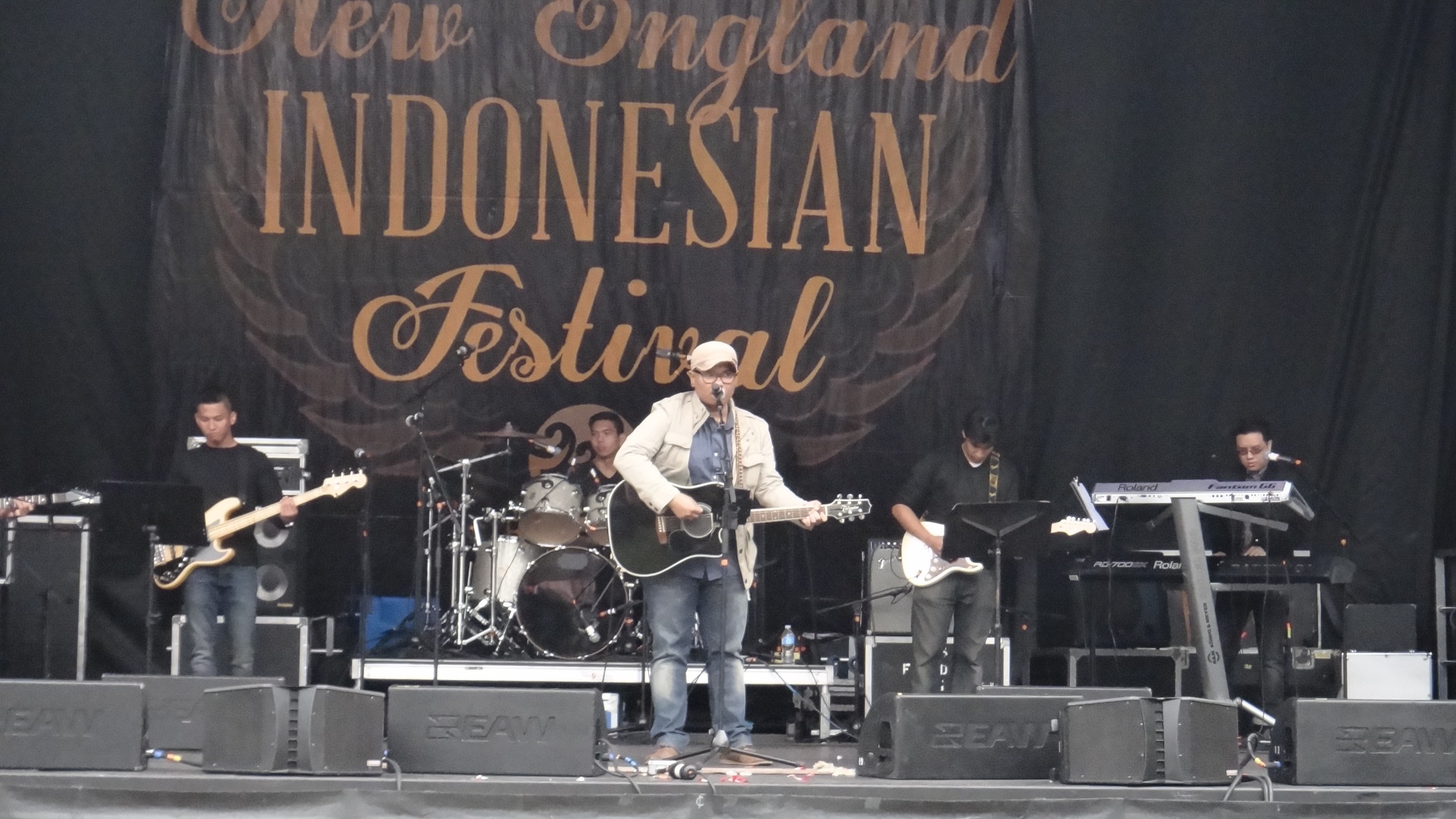 Arranged and played at 2015 New England Indonesian Festival , Copley Square Boston