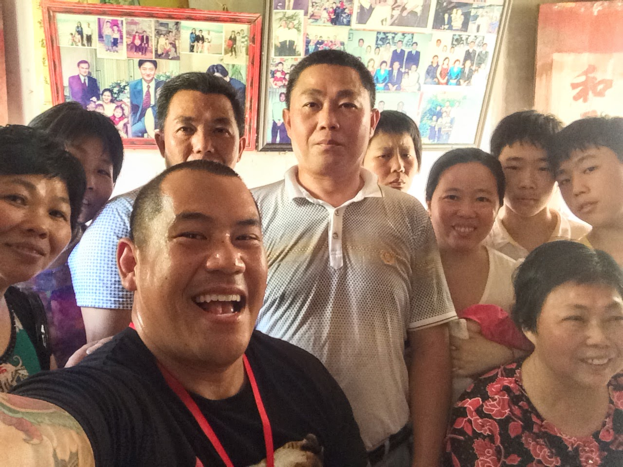 taking a family group selfie