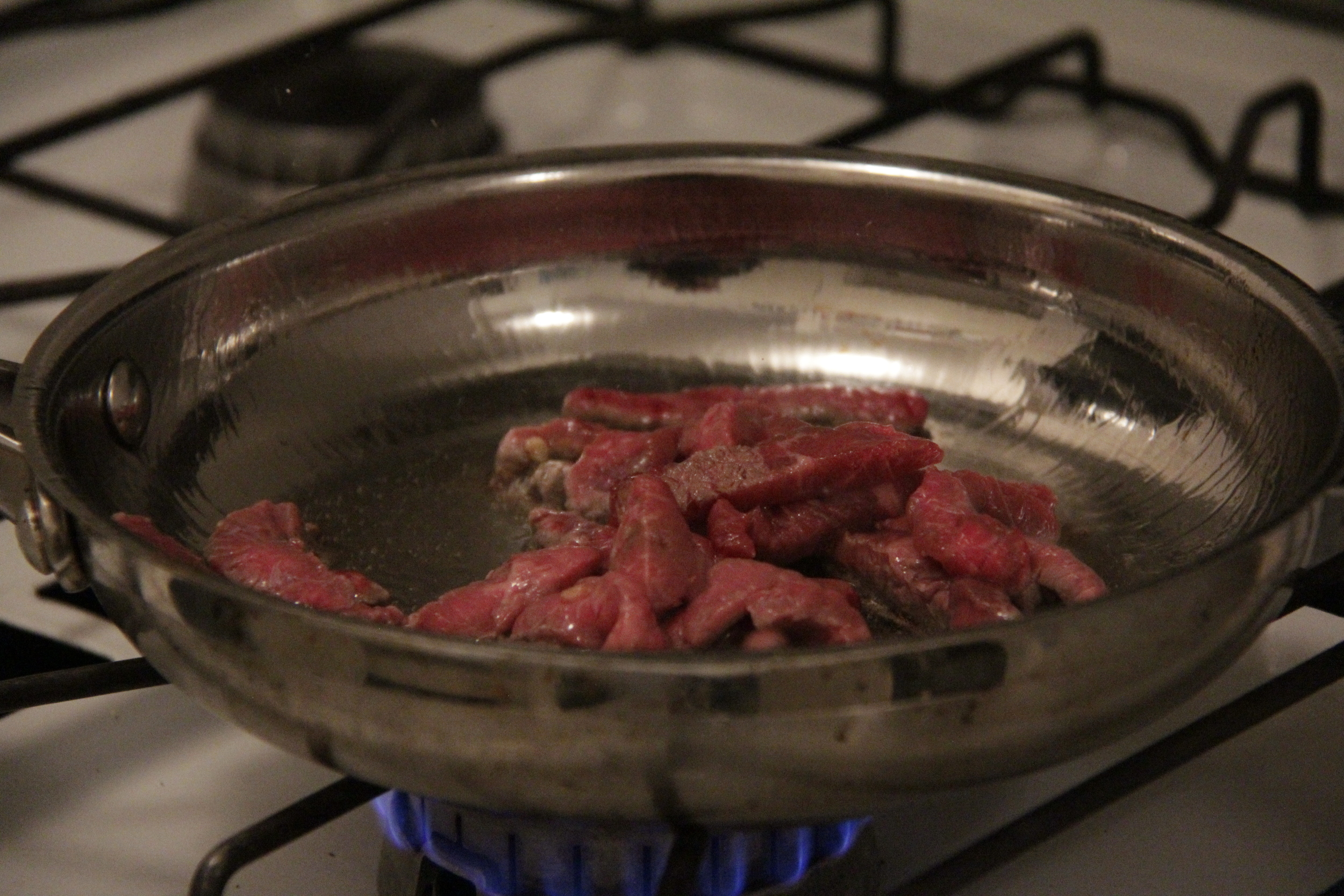 1. Quickly fry meat and remove from the pan.