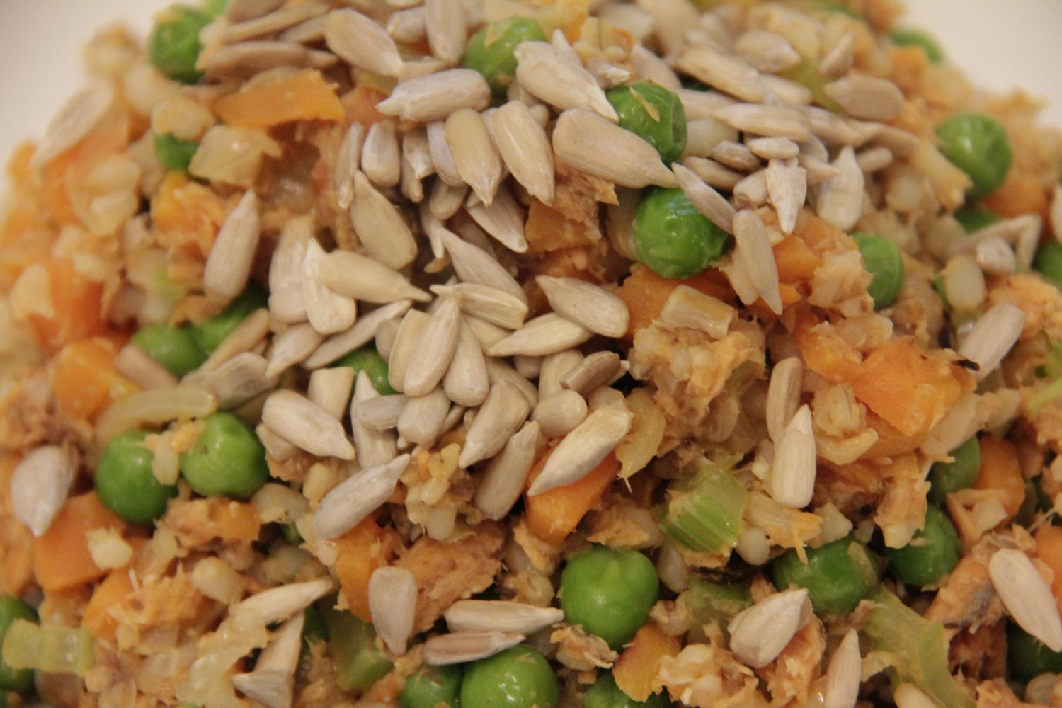 4 different types of vegetables, salmon and sunflower seeds - a v. healthy Saturday meal. Quick, easy and one pan..jpg