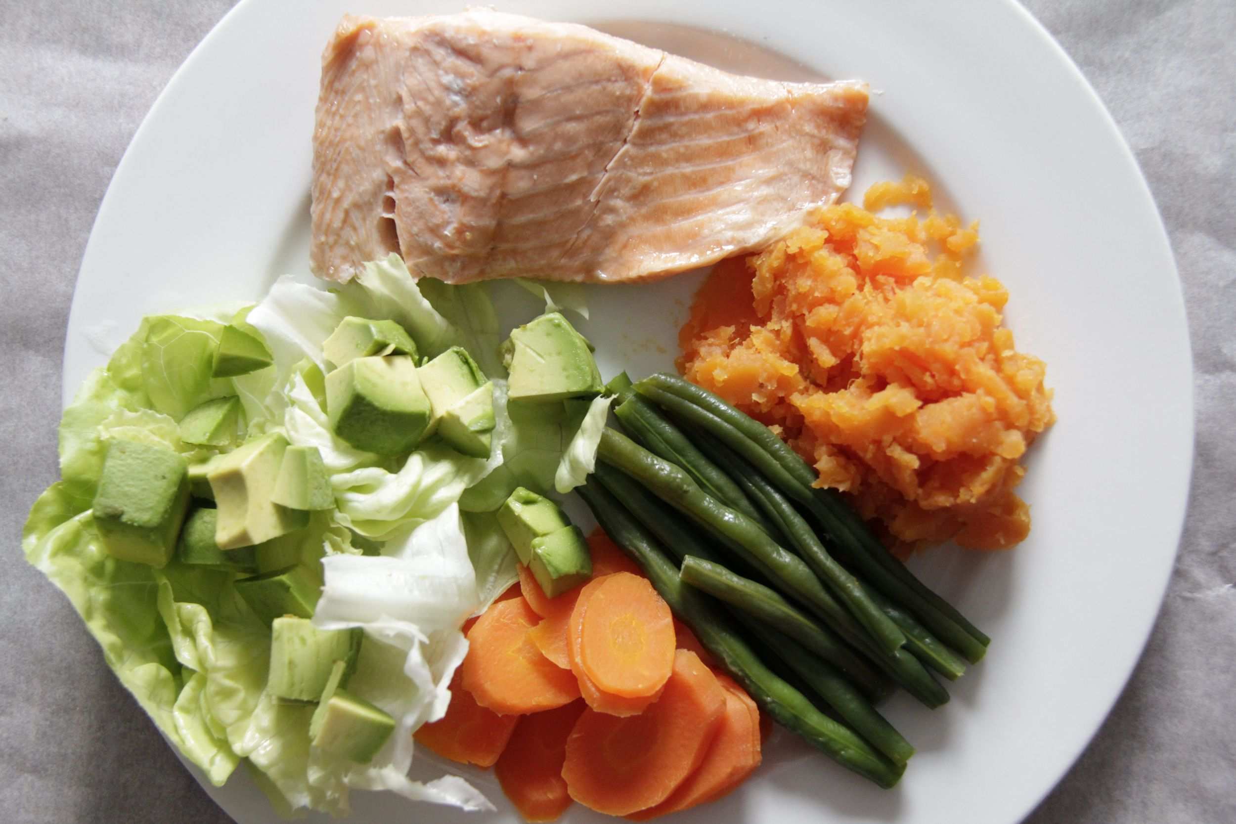 Perfect summer meal - Salmon, steamed vegetables and greens