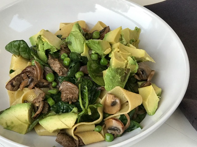 Recipe-for-one-creamy-egg-pasta-with-steak-and-avocado