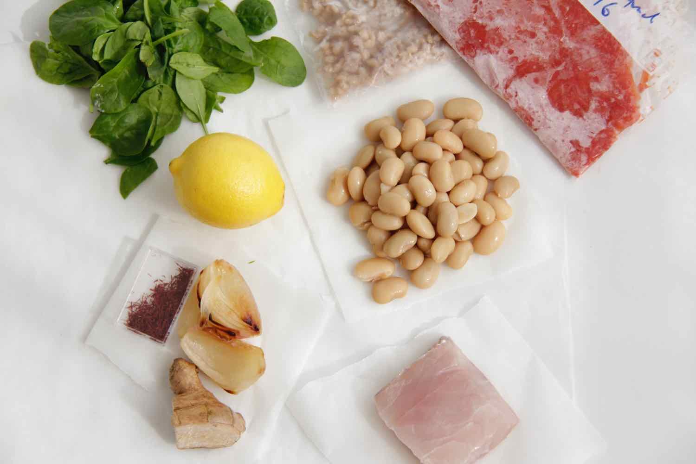 Tuna with turmeric, broccoli & quinoa