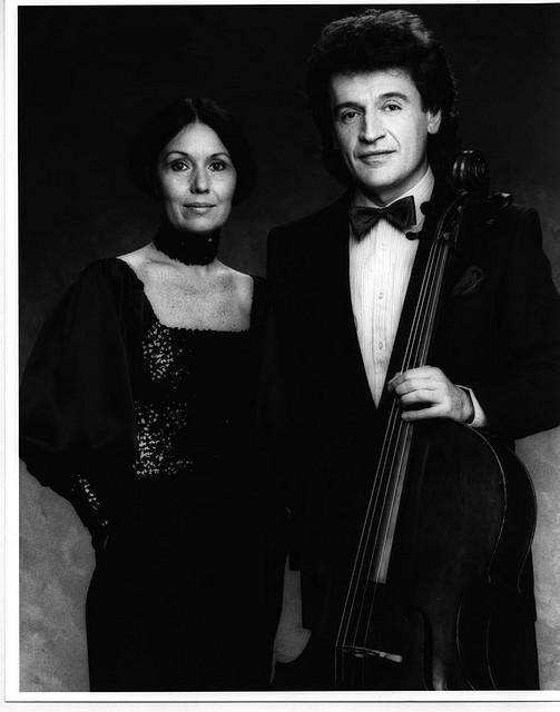 With pianist Linda Lee Thomas