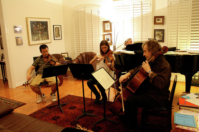 With students at the cello studio party