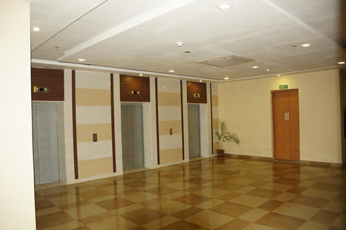 rishi-techpart-lift-lobby.jpg