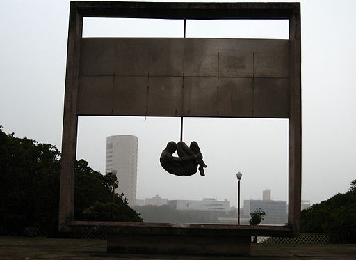 Marcusrg, 'Torture, never again' a monument in Recife, Brasil, CC BY 2.0