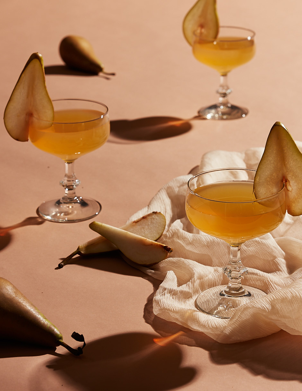 pear-cocktail-lifestyle-stylist-drink-styling-prop-lifestyle-set-designer-propstylist-foodstylist-lauren-becker.jpg