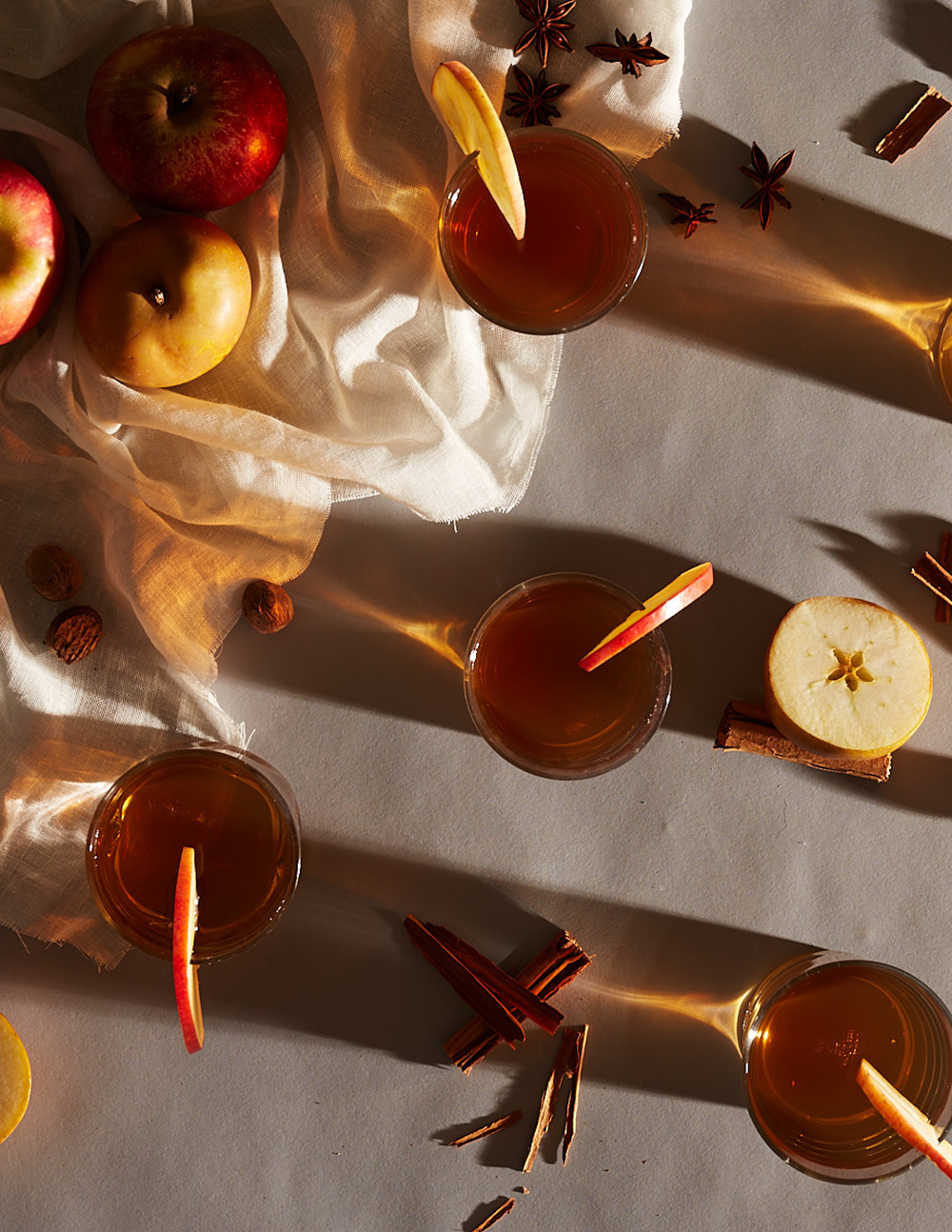mulled-apple-cocktail-drink-prop-stylist-propstylist-lifestylestylist-drinkstylist-styling-lauren-becker-setdesigner.jpg