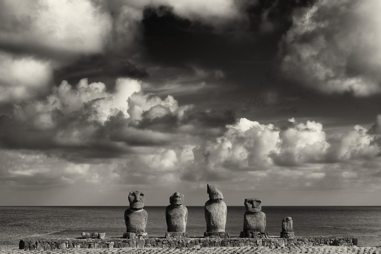 5 MOAI, Hanga Kio'e, Easter Island, Chile