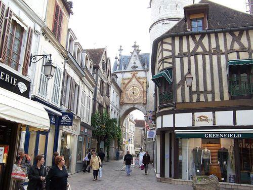 Auxerre, klocktornet. foto Vincent auxerre