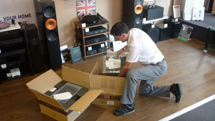 Ian unboxing the Quad Artera System