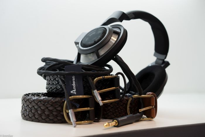 Absolute belter! A pair of HD800s looking very nice here,presented next to belts made by  Anderson in Italy , all made by hand of course.