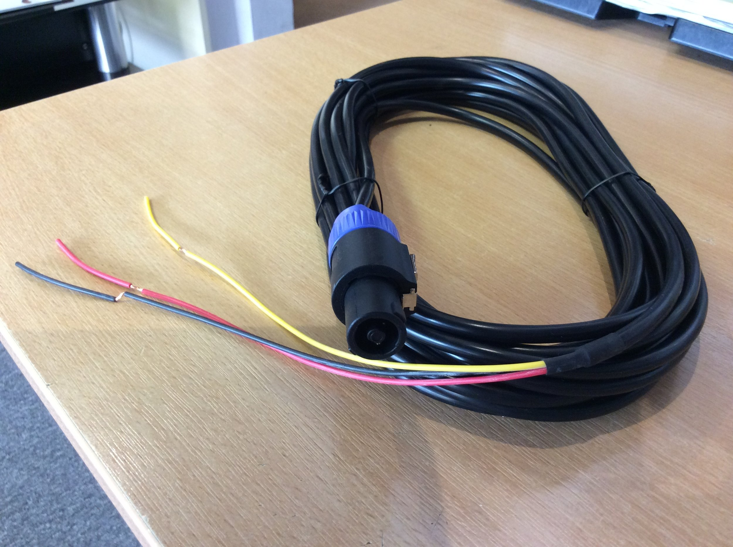 REL High Level Cable