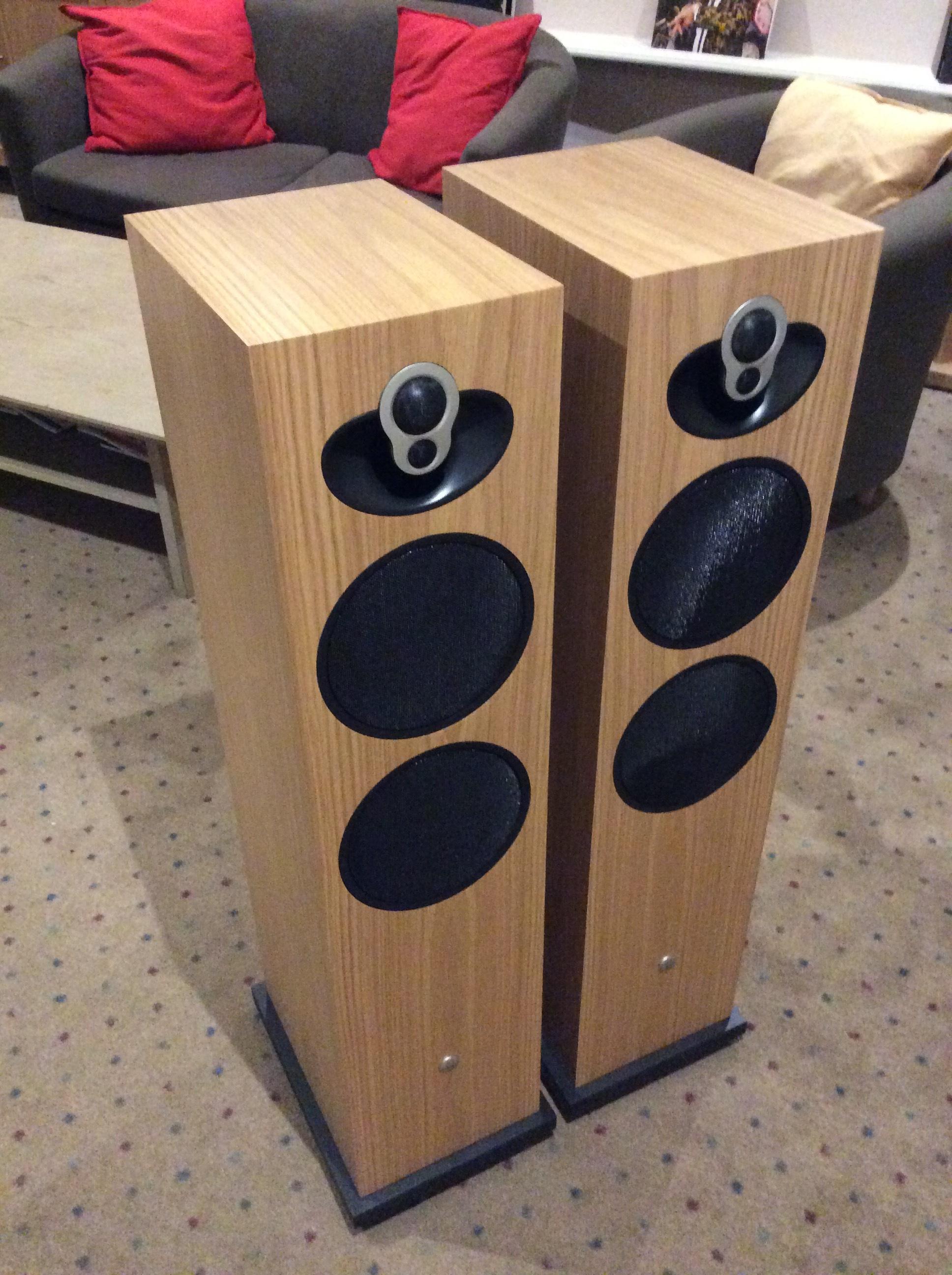 Linn Majik 140 speakers