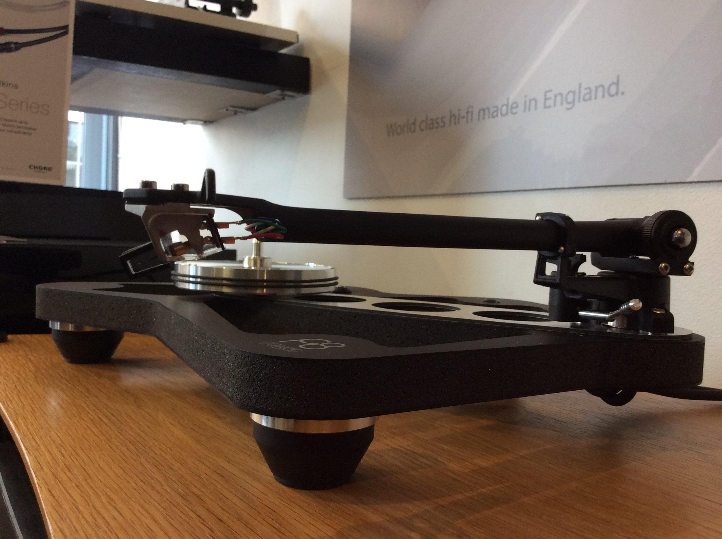Planar 8 plinth and new RB880 tonearm