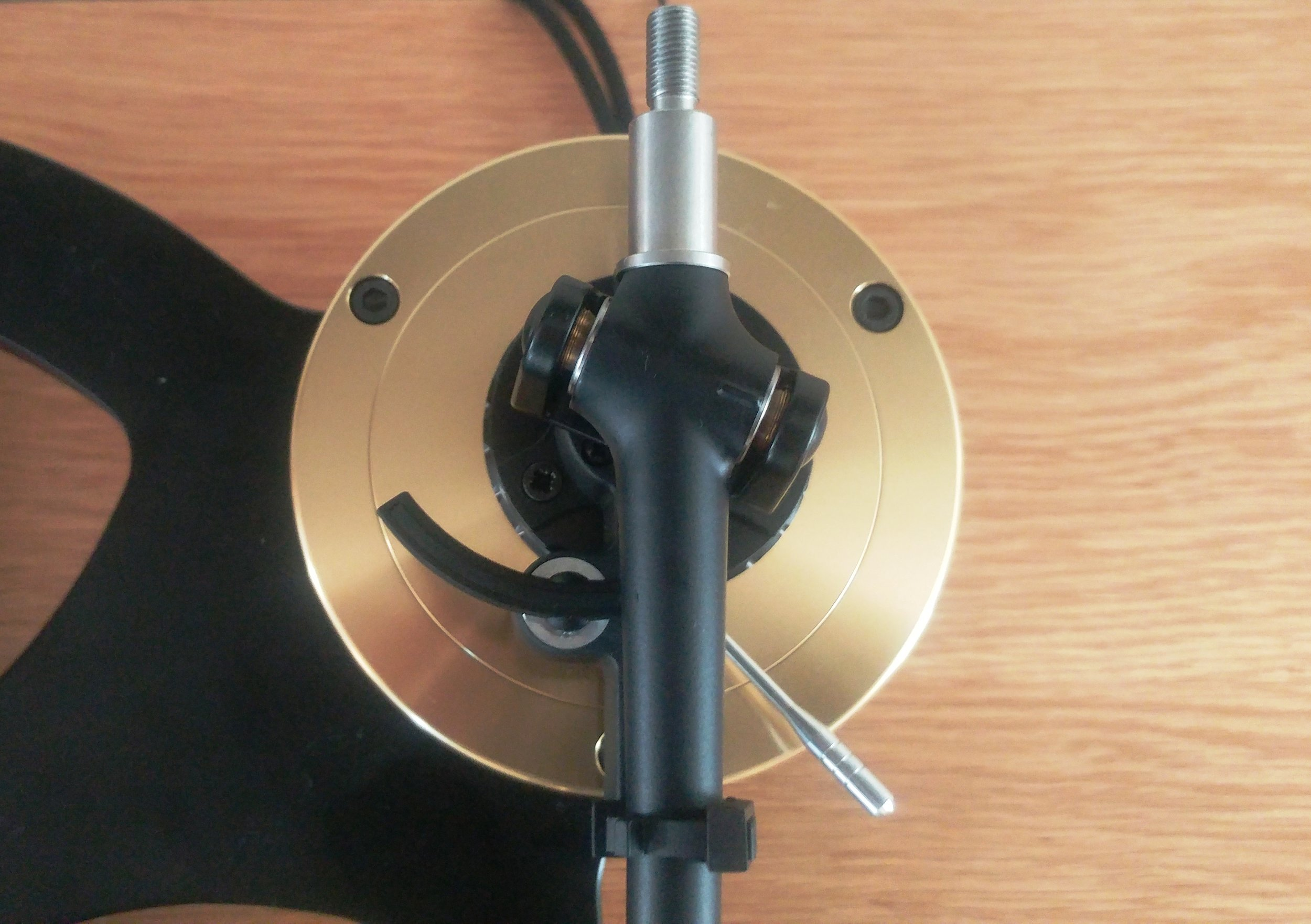 Tonearm mount from top