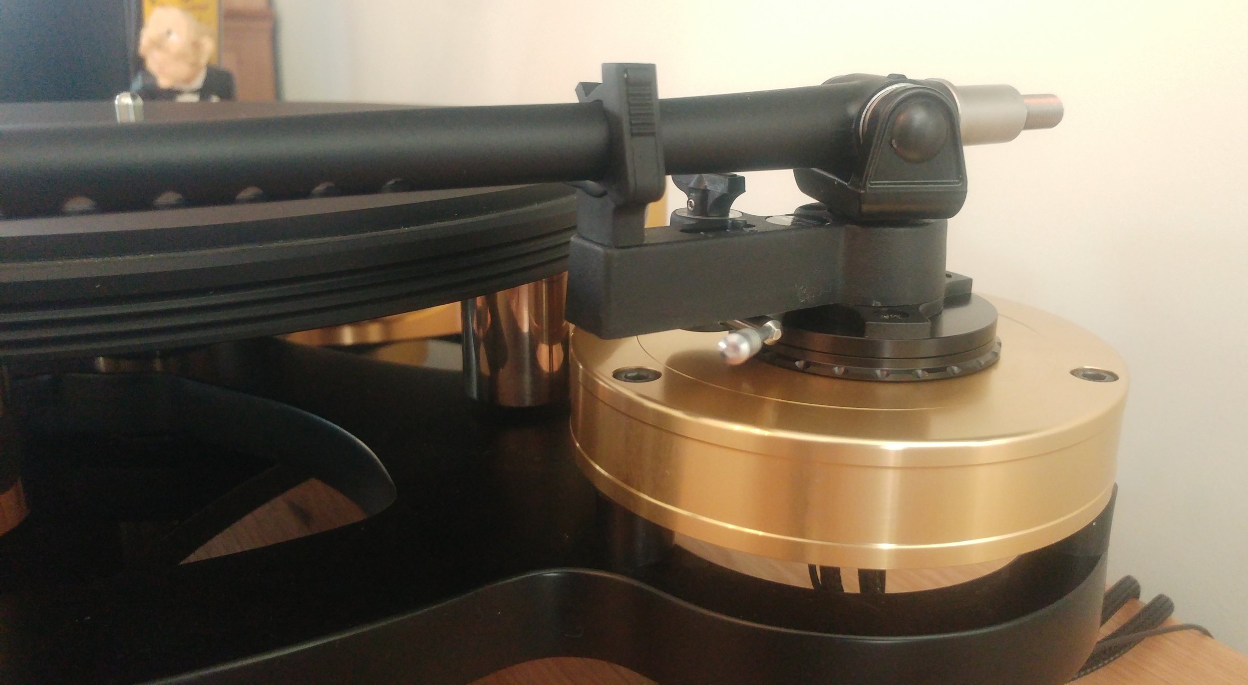 Tonearm height adjustment