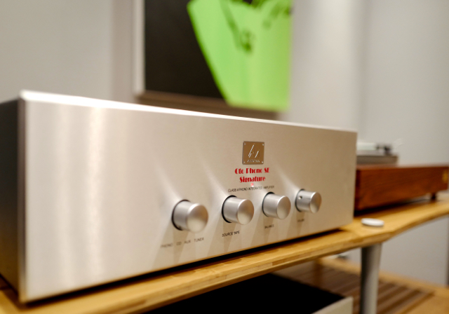 Oto Phono SE Signature