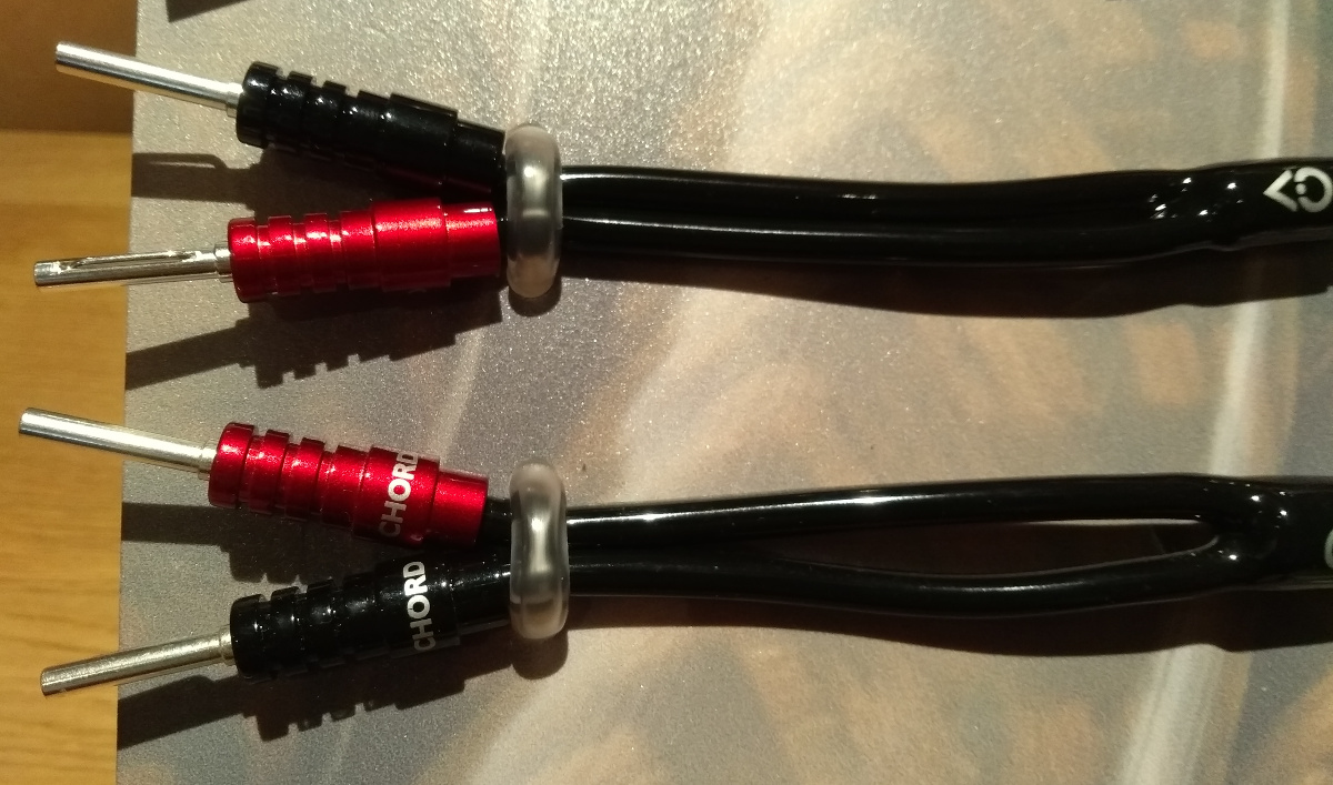 Chord cables with Ohmic plugs