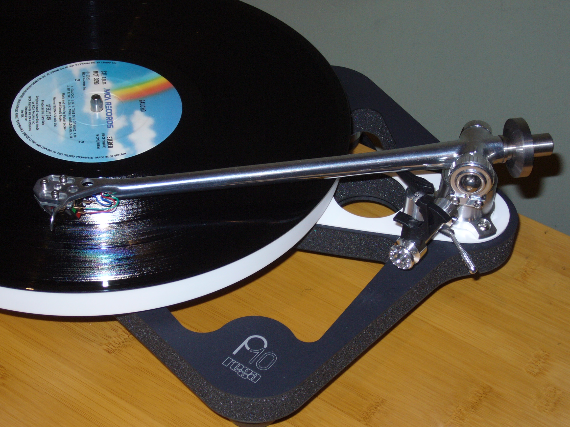 RB3000 tonearm with Apheta3 fitted