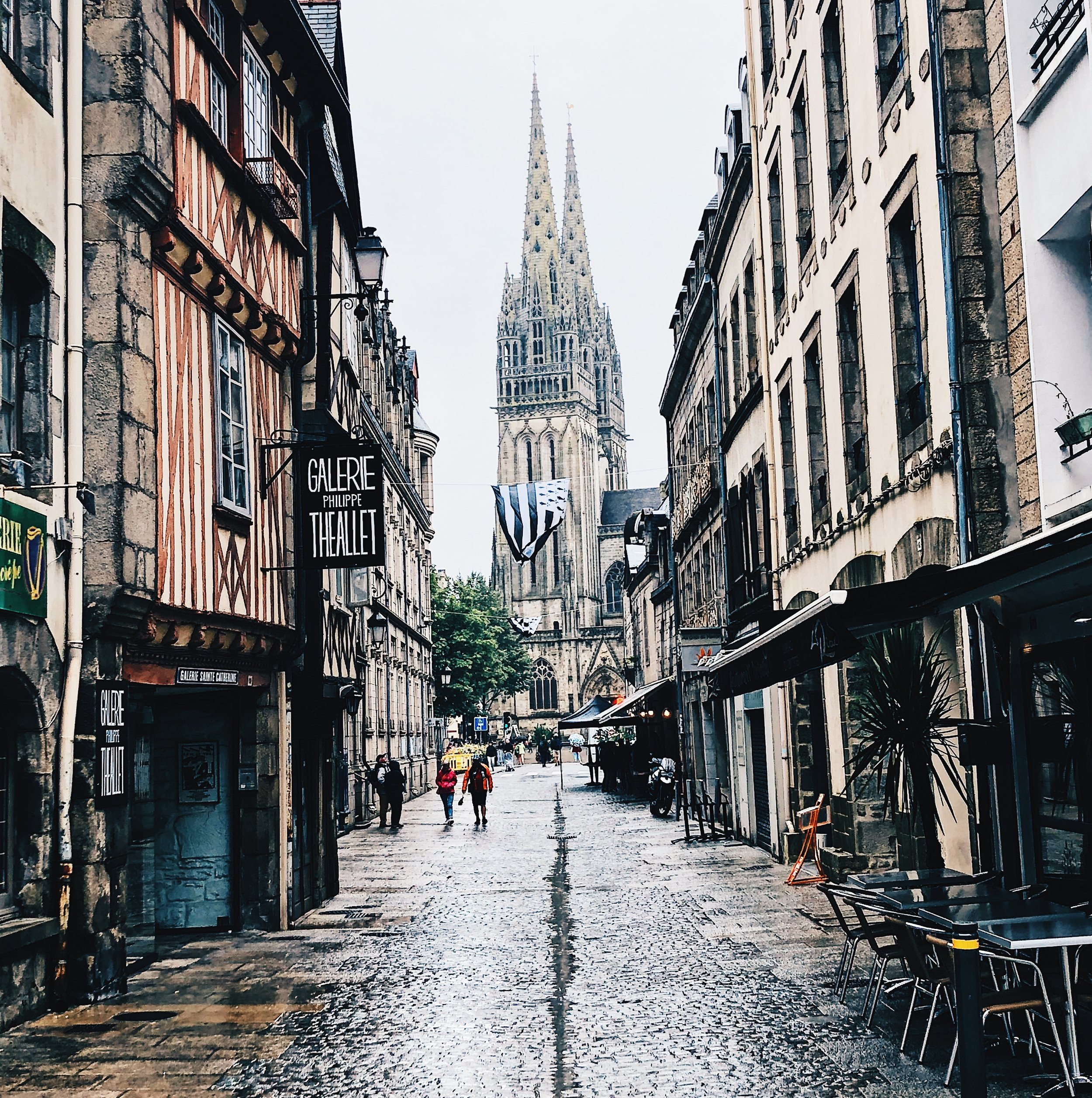 Even on a rainy Sunday Quimper is a really beautiful city.