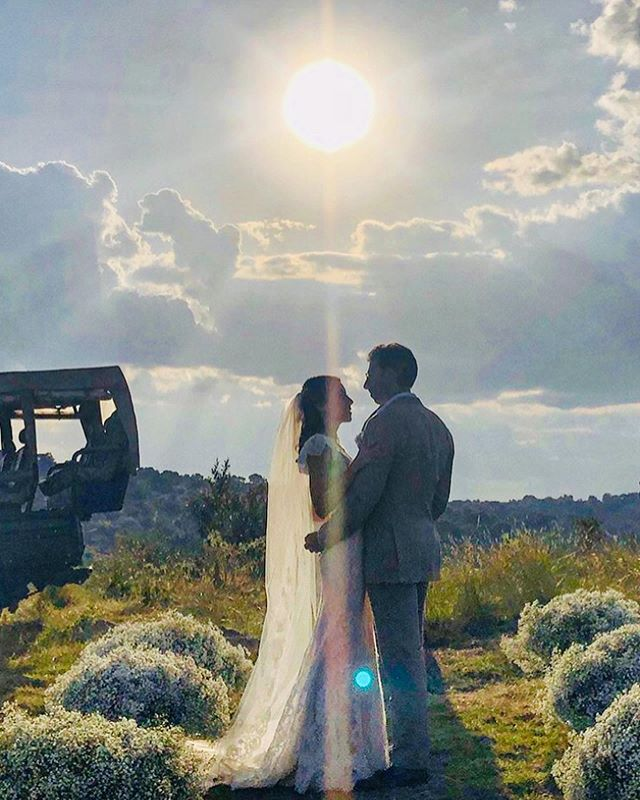 Worked with the most beautiful couple @katia_d1 and Khash on their wedding in Kenya. So nice to meet their wonderful friends and family, everything was perfect and breathtaking!! ❤️❤️❤️ #wedding #perfectcouple #beautiful #love #weddinghair #weddingmakeup #hairstyles #makeupartist