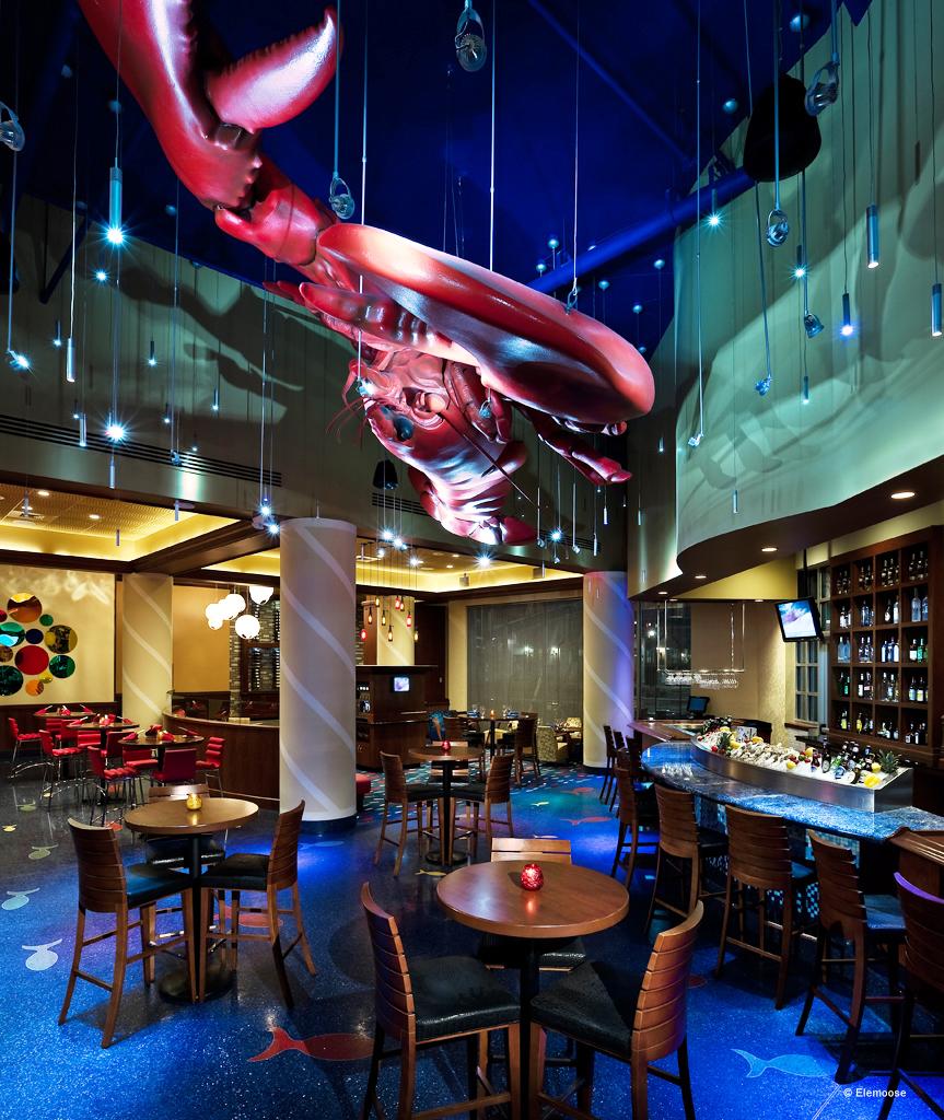 foam-replica-lobster-seafood-restaurant-zakaspace.jpg