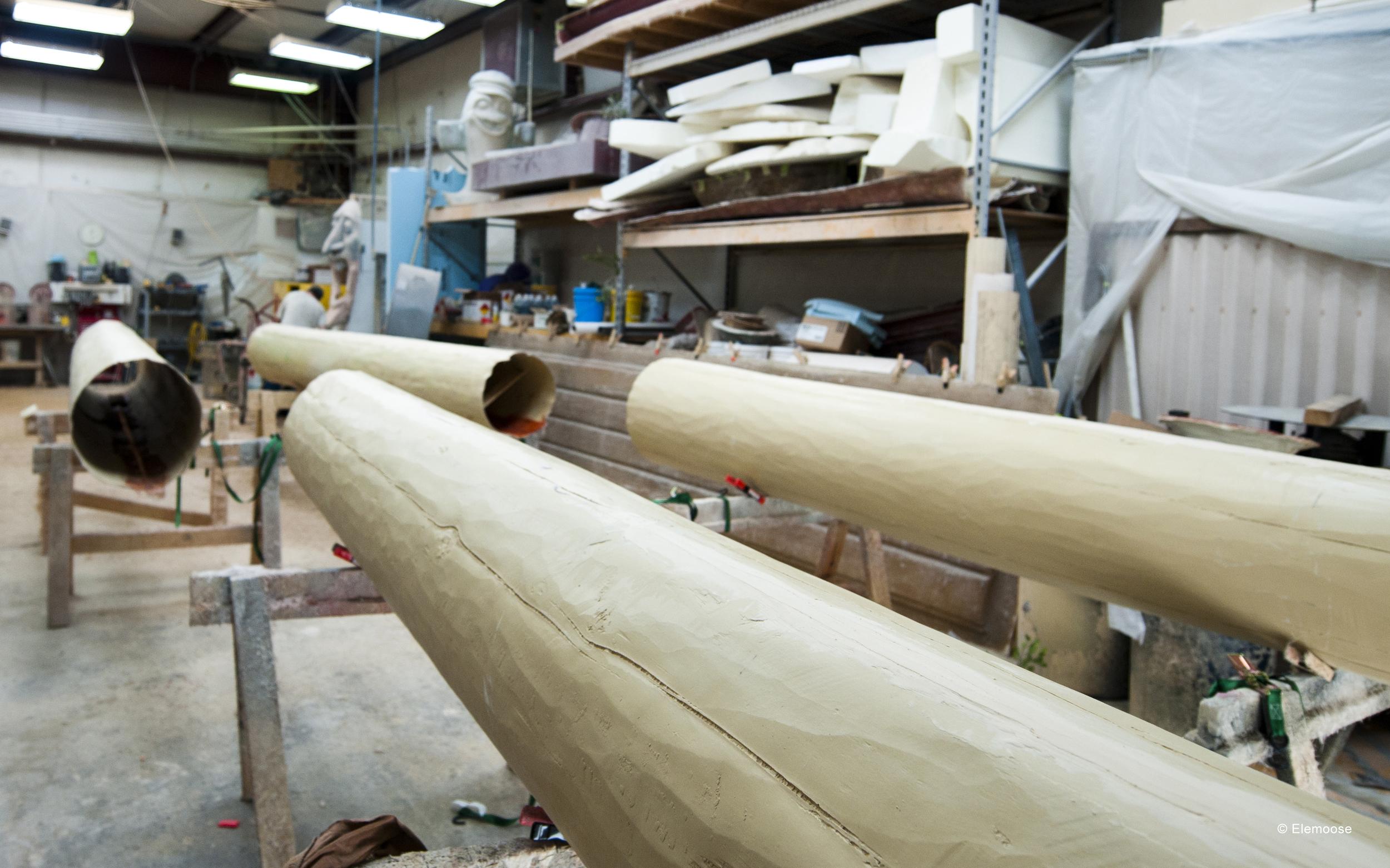 custom-fiberglass-logs-pine-finish-bass-pro-shops.jpg