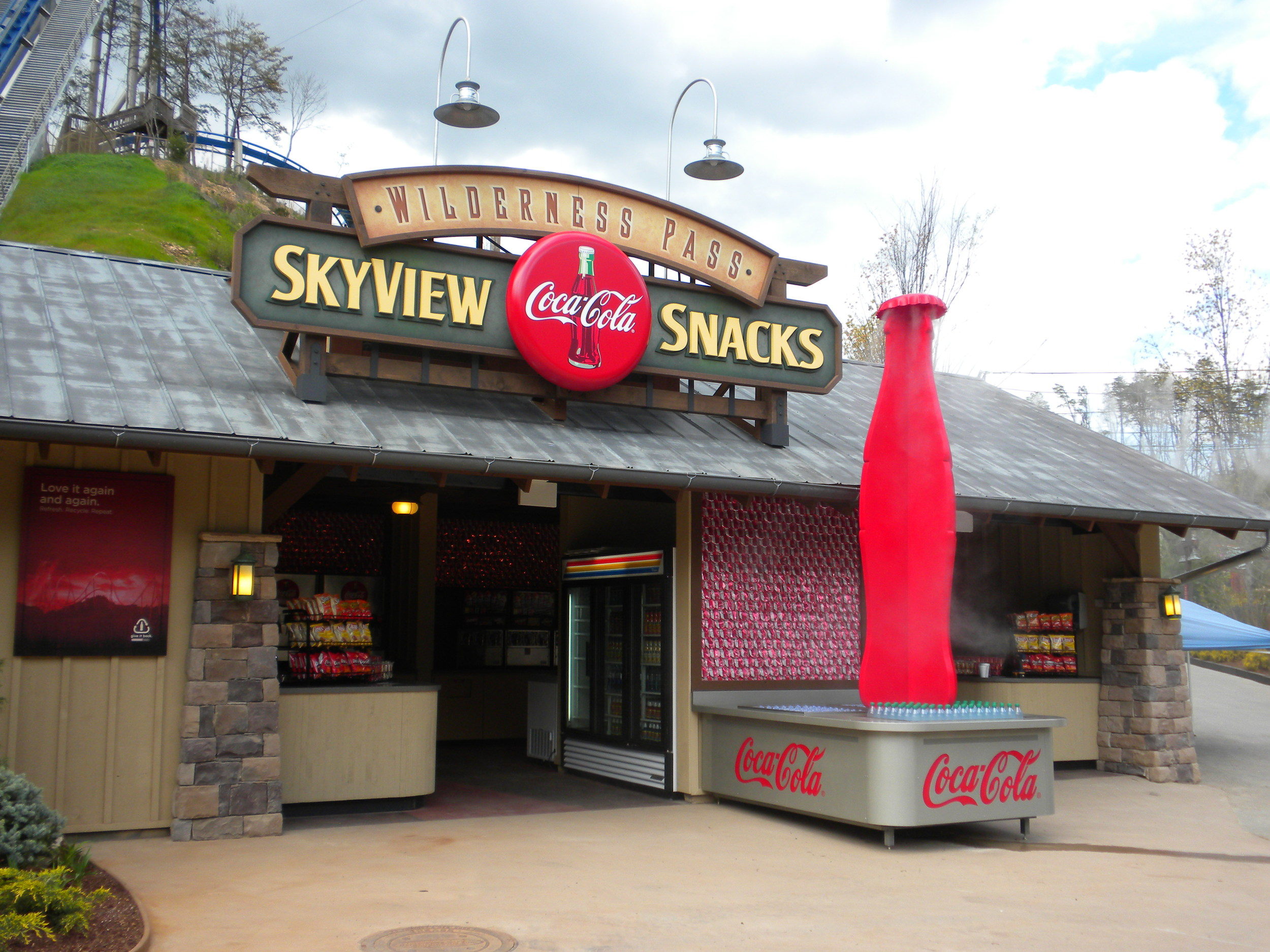 custom dimensional signage dollywood pigeon forge, tn