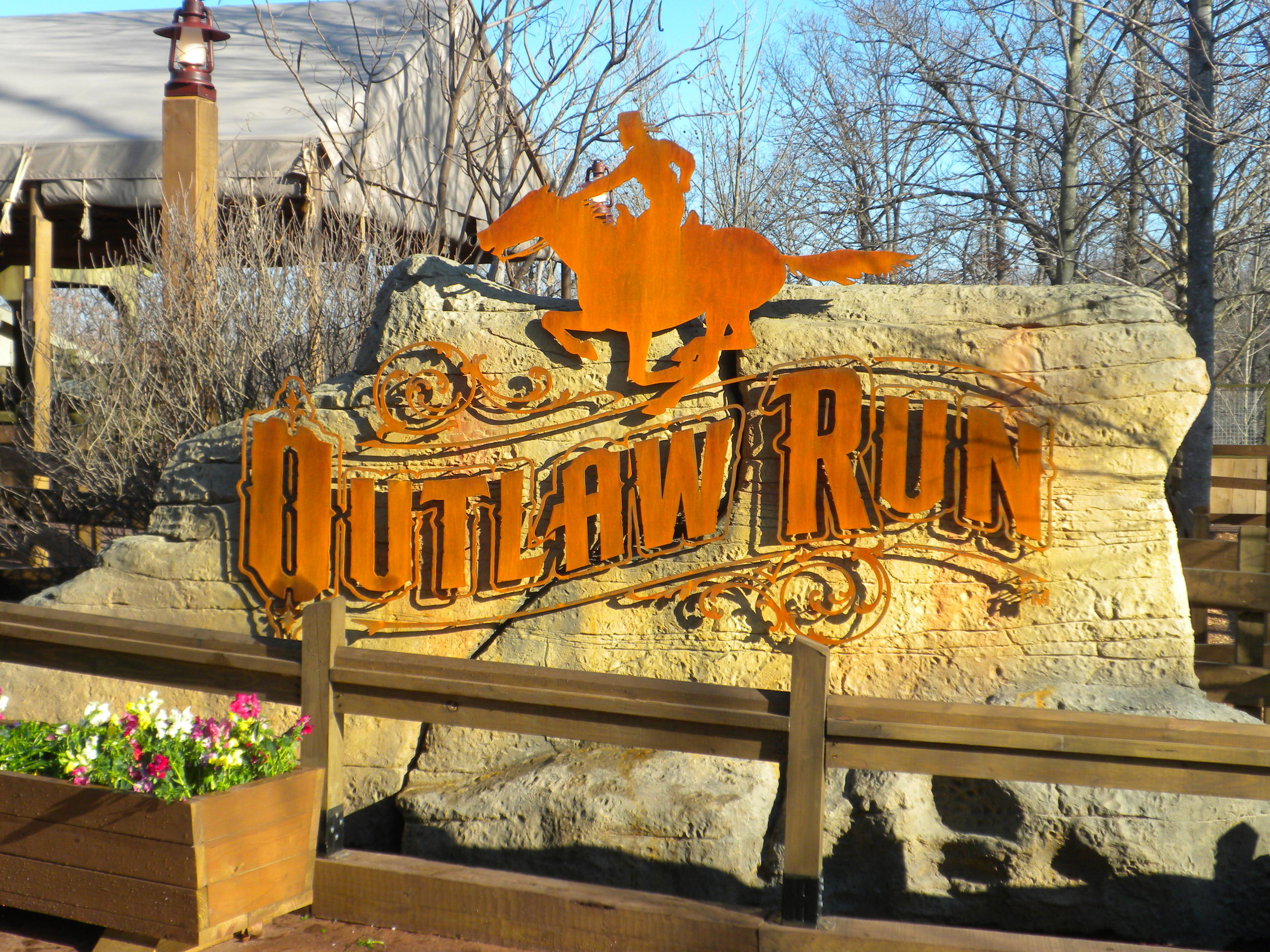 outlaw-run-roller-coaster-main-id-sign-metal-silver-dollar-city-branson-mo.jpg