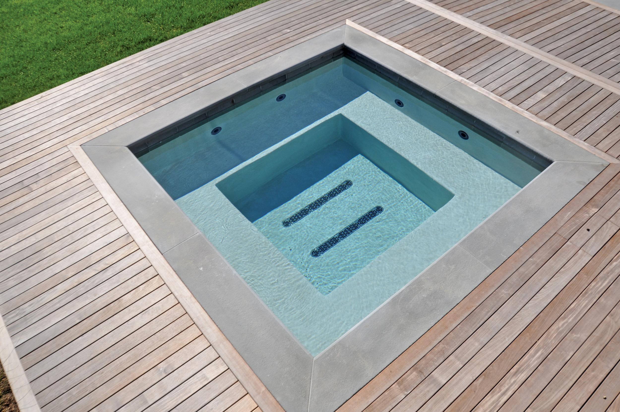 J&P Pool Service  -  Bronze , Custom Spa