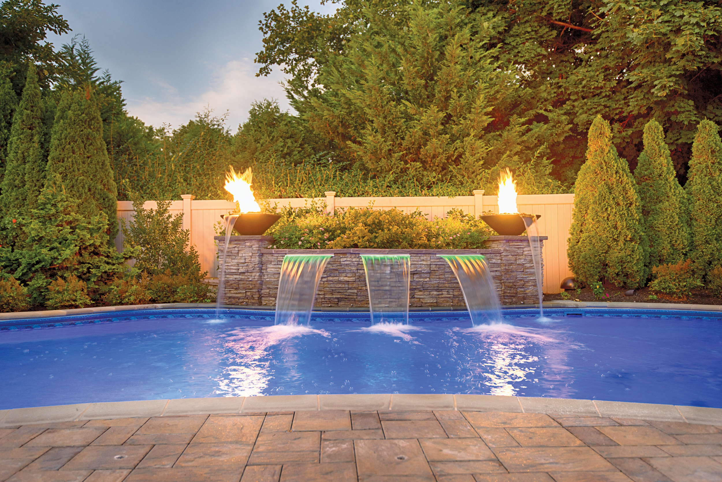 Chaikin Ultimate Pools  -  Gold , Water Feature with Pool