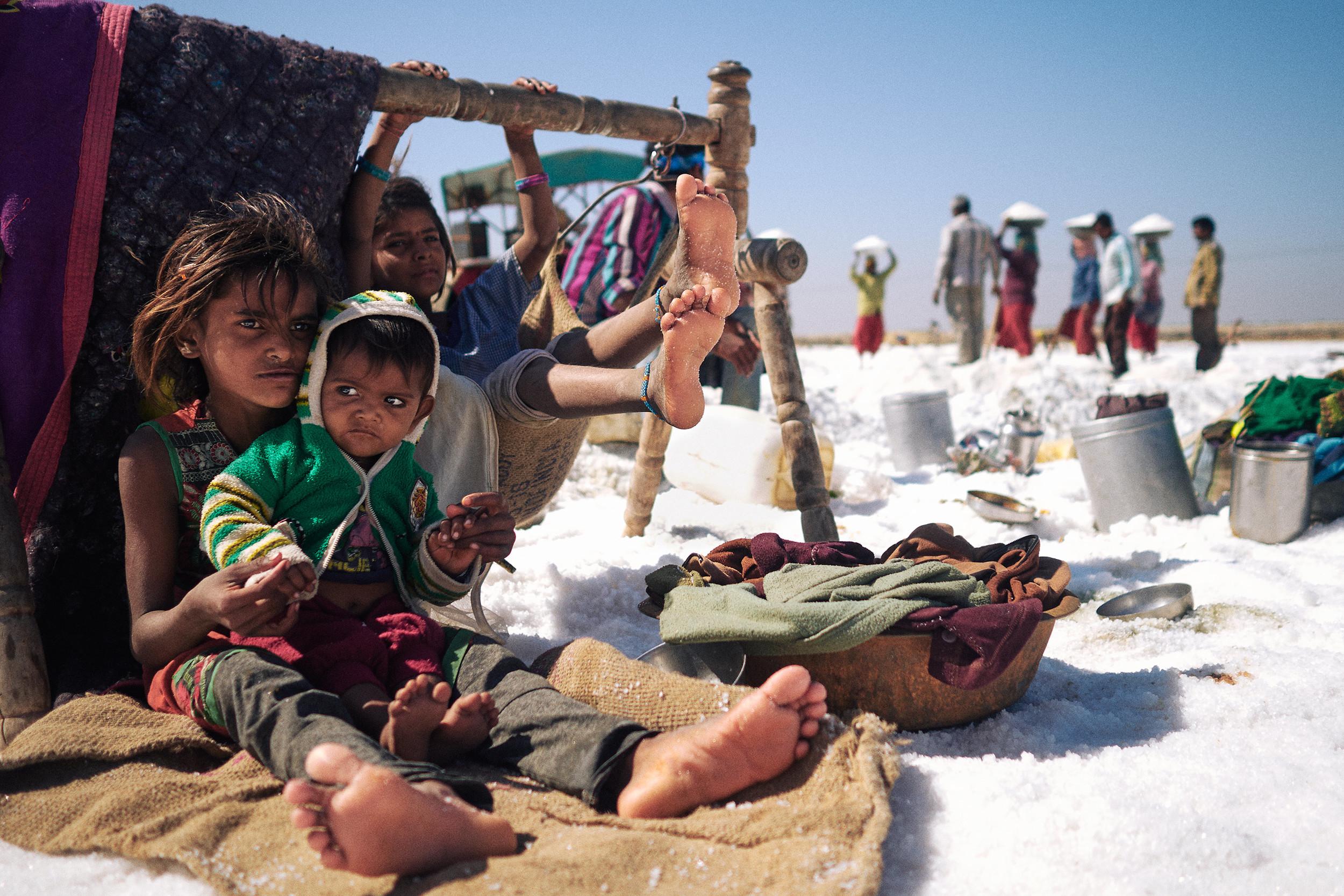 Children of the salt-workers