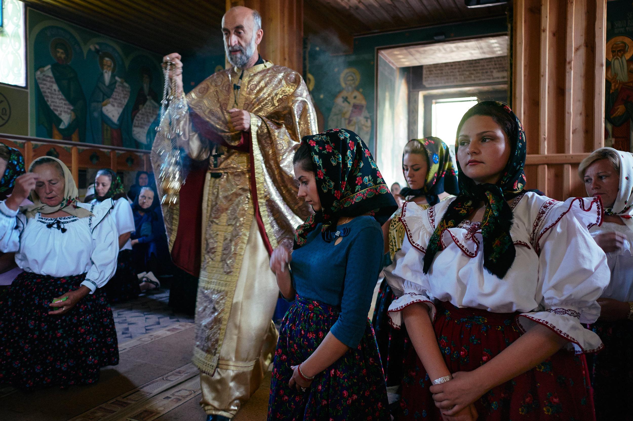 Church-service-Maramues-Romania