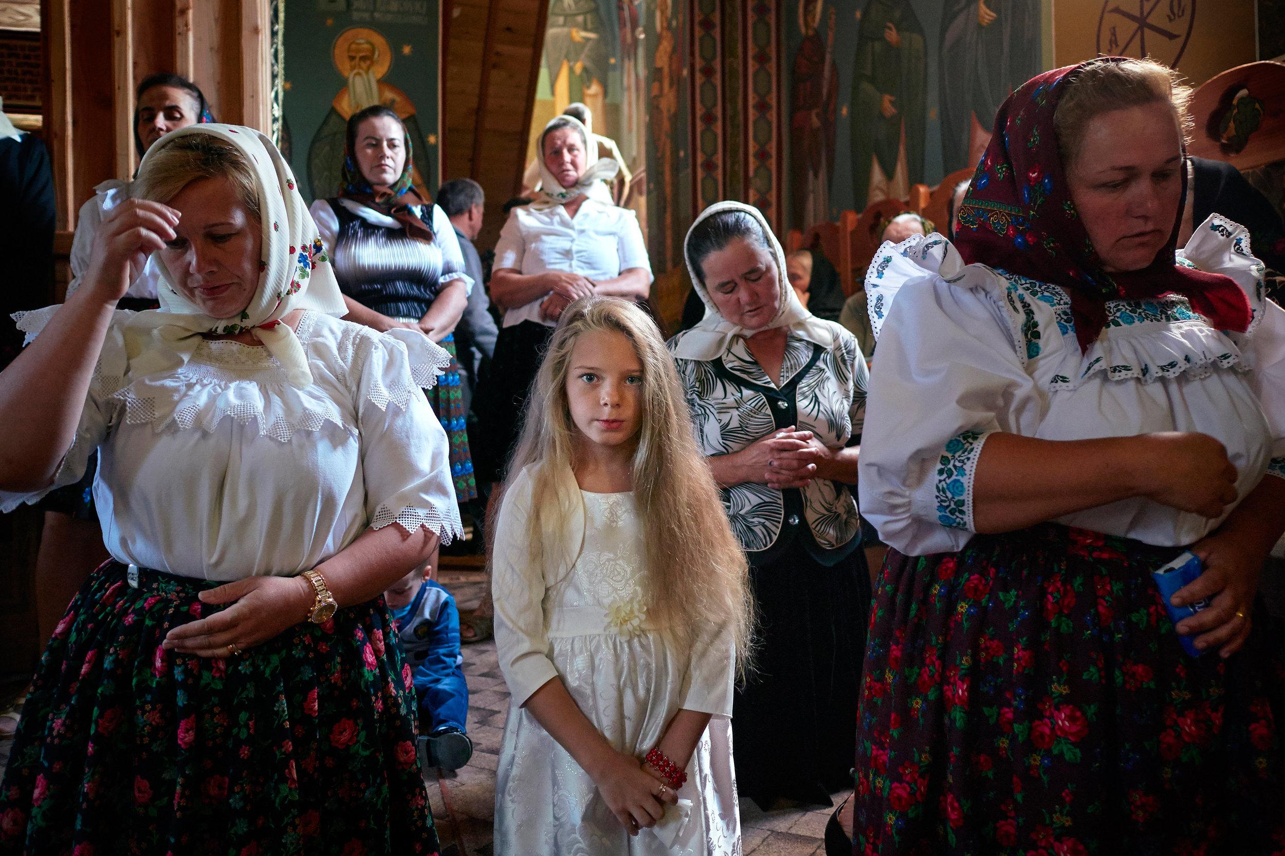 Villagers-at-a-church-service-Maramues-Romania