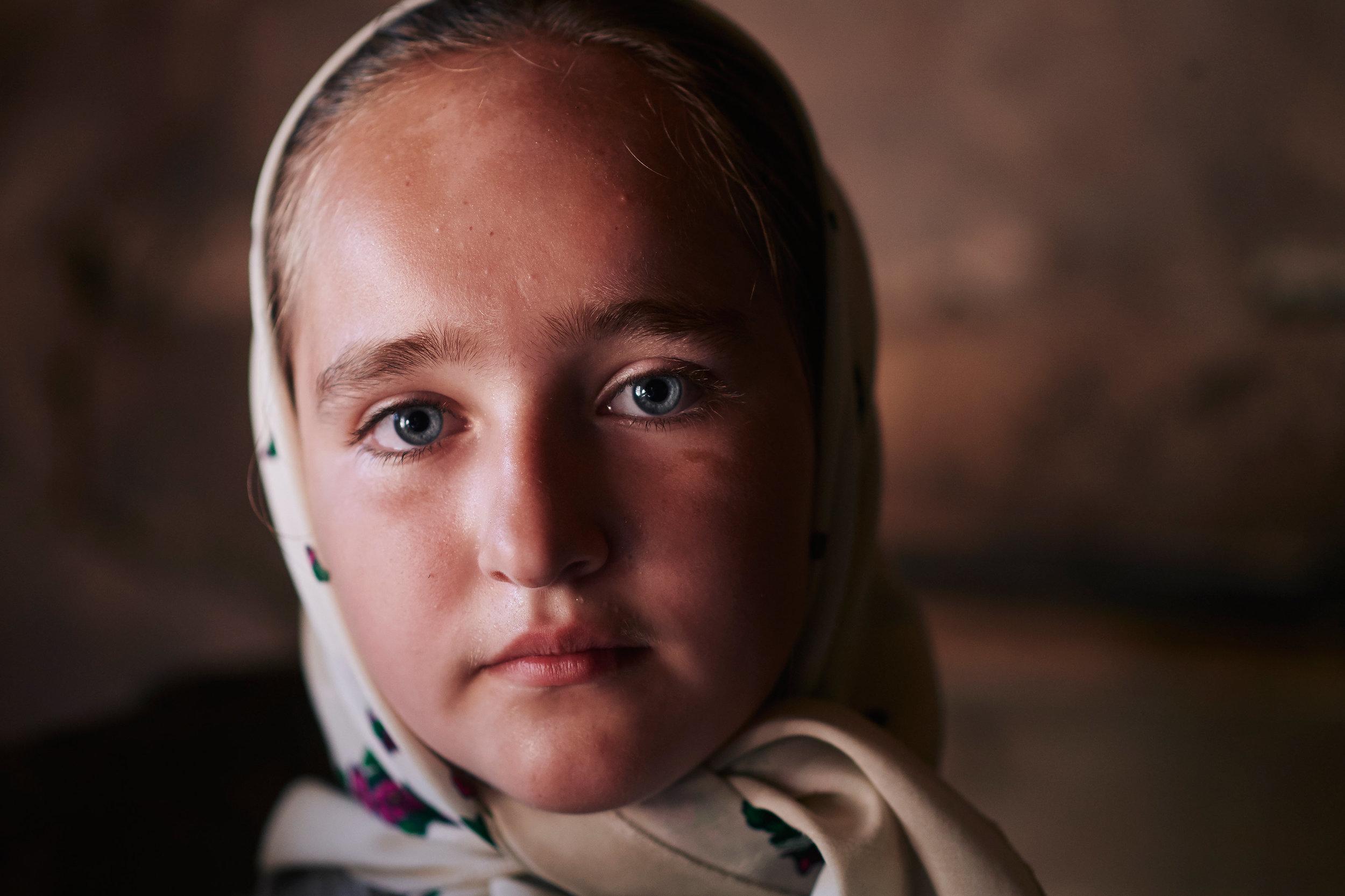Maramures-Romania-rural-Romanian-girl-portrait