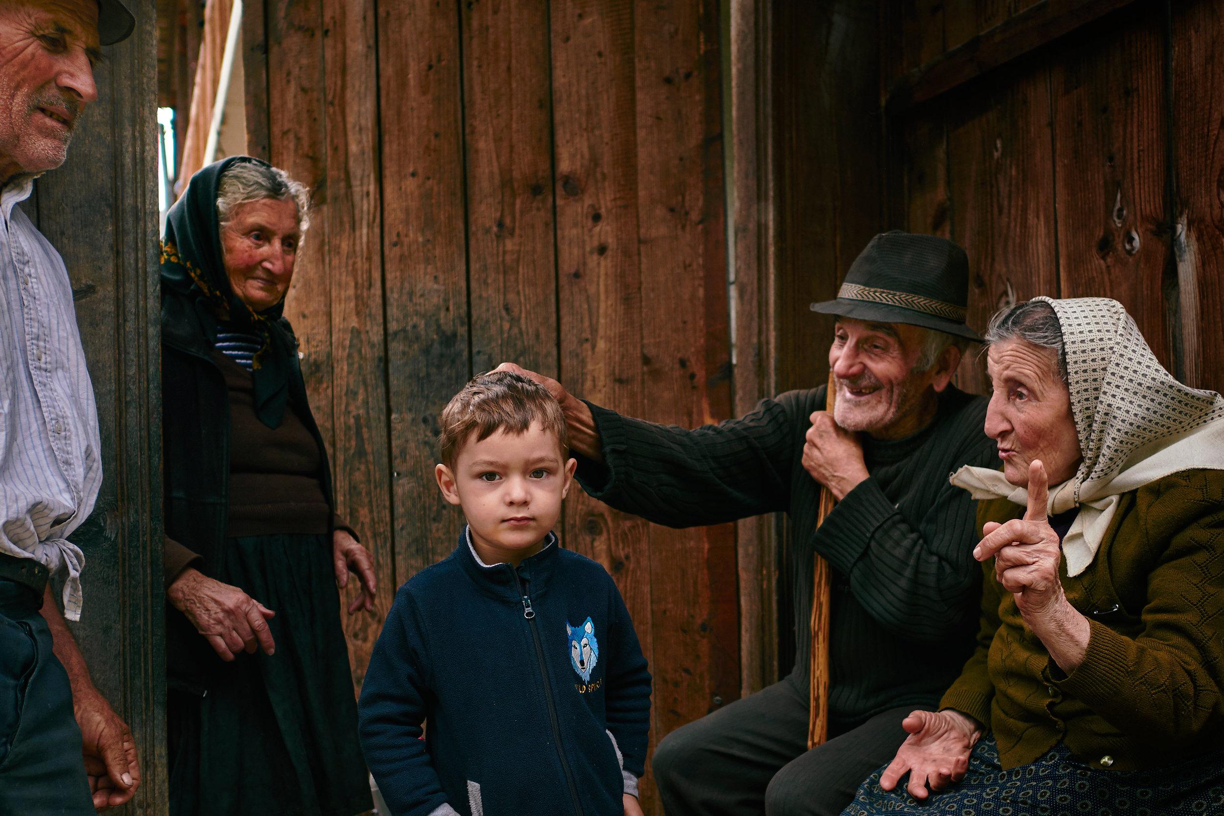 Maramures-Romania-village-street-life