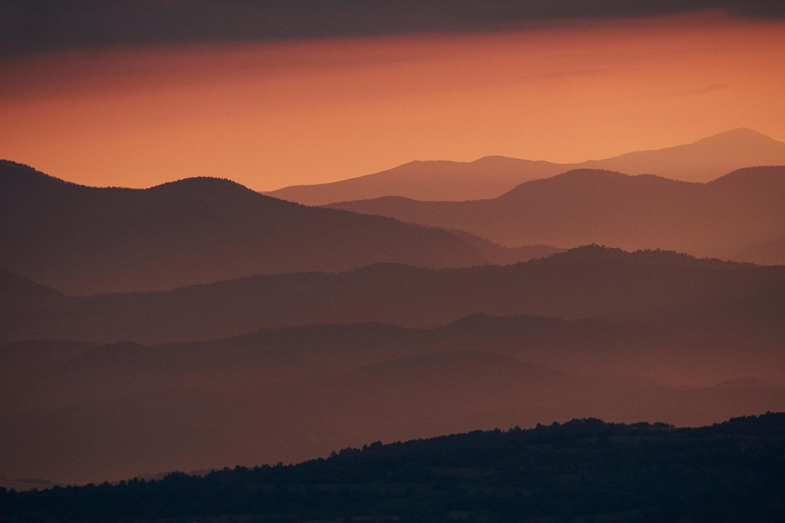 Maramures-Romania-sunrise-in-the-mountains