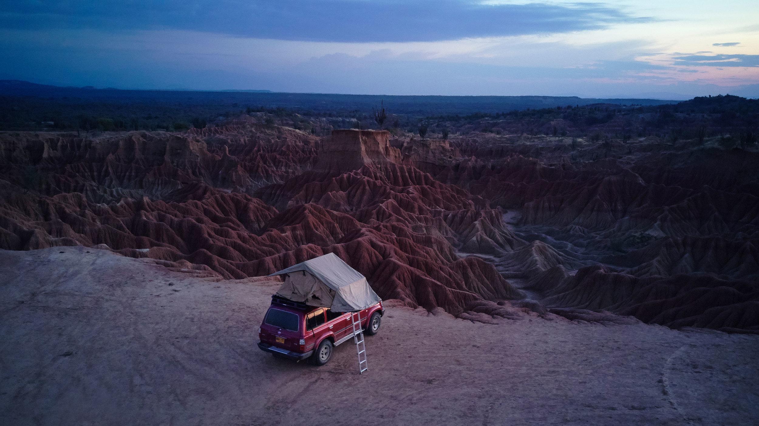 Colombia-travel-Tatacoa-desert-car-rooftop-tent