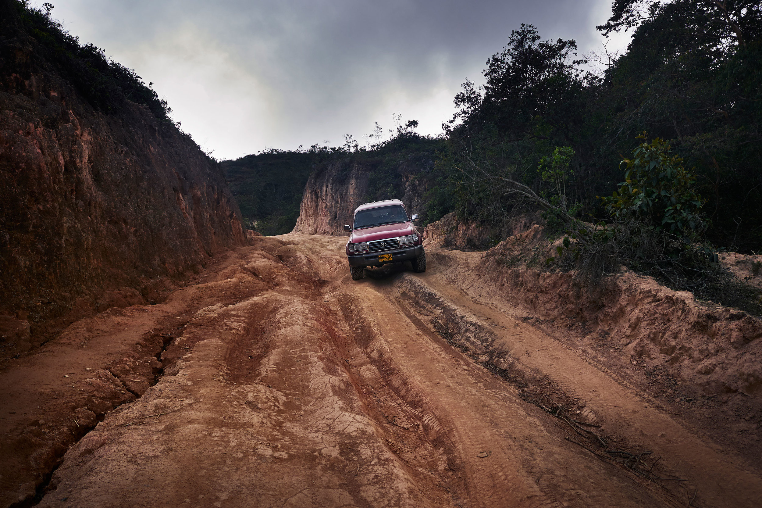 Colombia-travel-road-to-Nabusimake