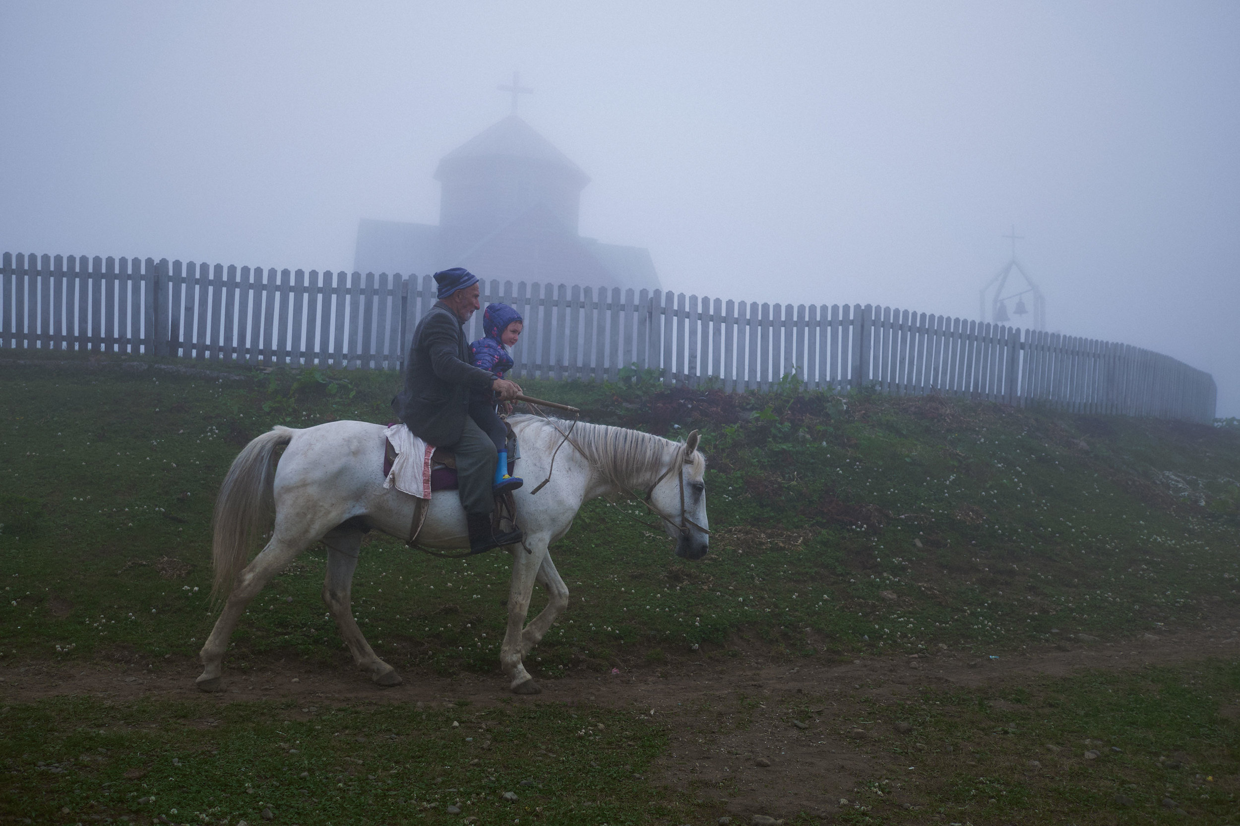 Bakhmaro-Georgia-horseriding-church