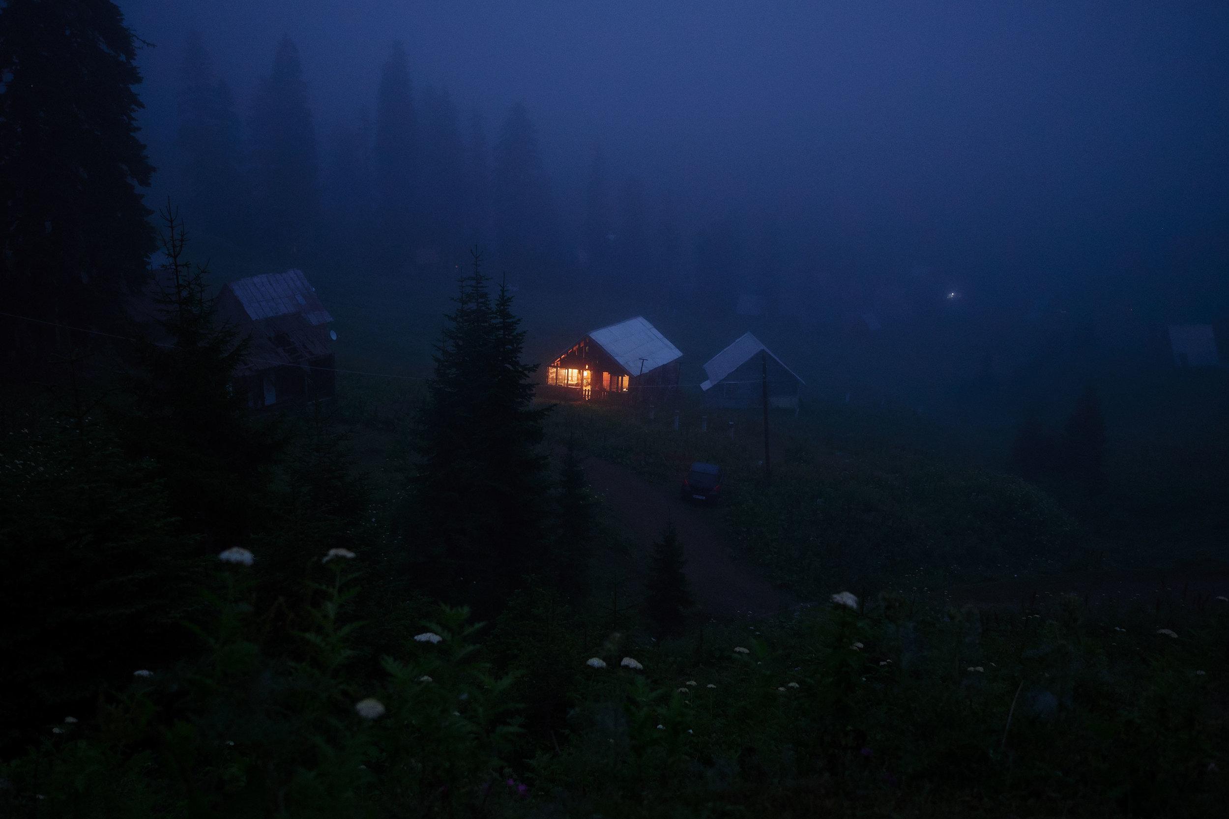 Bakhmaro-Georgia-house-in-fog-dark