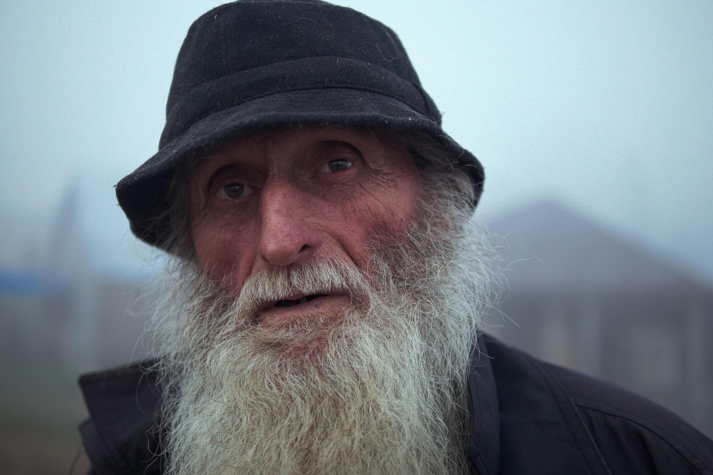 Bakhmaro-Georgia-man-fog-with-beard