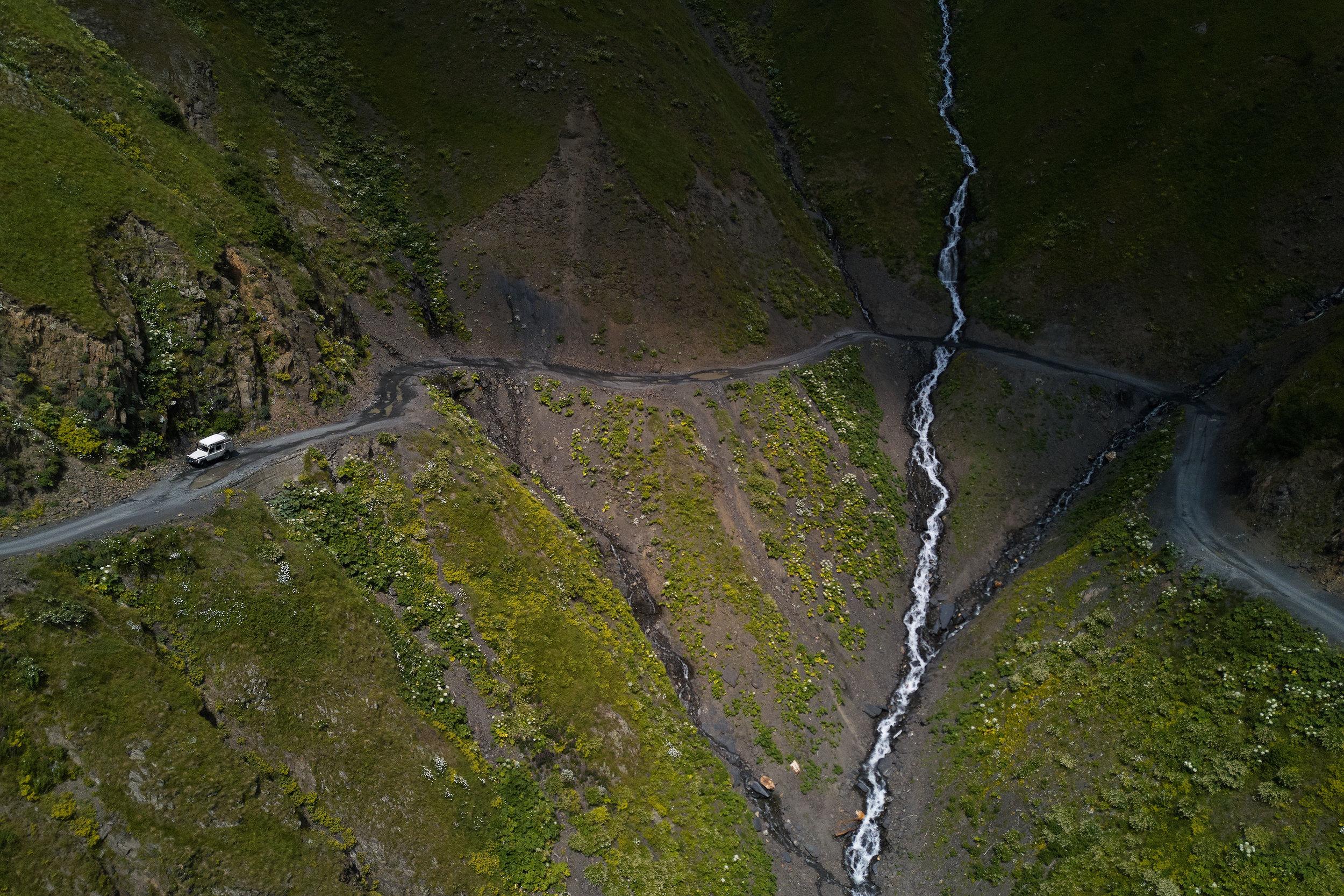 Tusheti-Georgia-Landrover-Defender-Mountains